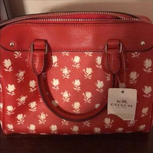Beautiful New Coach Floral Small Bennett Purse